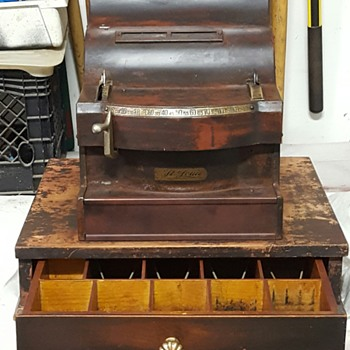 St. Louis Cash Register Co.  Cheese Cutter Model 114