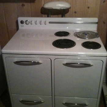 1948 Westinghouse Electric Stove - Kitchen