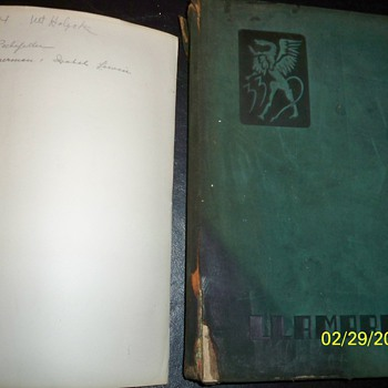 MOUNT HOLYOKE SOUTH ROCKEFELLER ISABEL LEWIN 1933 YEAR BOOK - Books