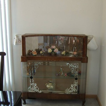 Curio cabinet or bar? - Furniture