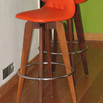 Atomic Retro Bar Stools