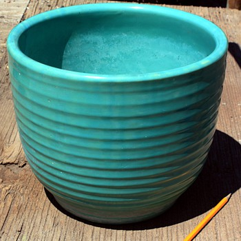 Bauer Ringware Jardinere - Art Pottery