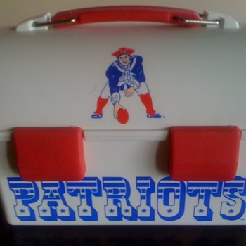 New England Patriot's Lunchbox with Original Team Logo