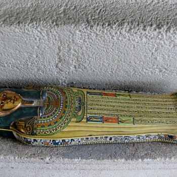 Queen Nefertiti coffin found in California, USA!