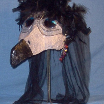 EPIC HALLOWEEN - GLAMOUR VULTURE LADY - Dolls