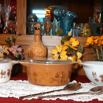 Pyrex American Heritage Casseroles and Bowl