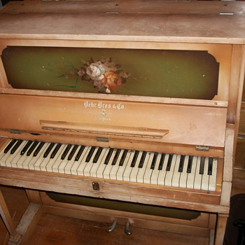 "1916 Behr Bros. piano ""Tom Thumb"" model - Music"
