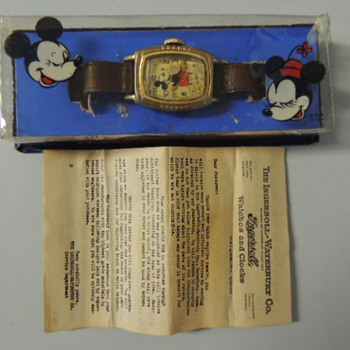 MICKEY MOUSE WRISTWATCH