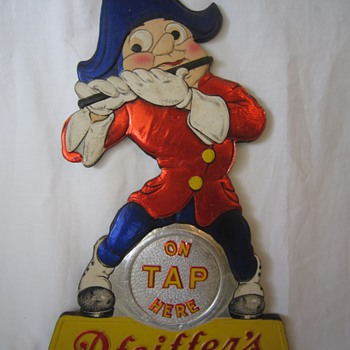 Antique Old Tin Composite On Tap Here Pfeiffer's Brewing Co Detroit & Flint Mich Beer Sign Display - Breweriana