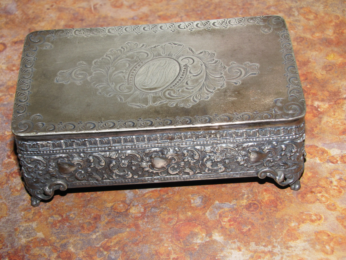 barbour silver co trinket box collectors weekly. Black Bedroom Furniture Sets. Home Design Ideas