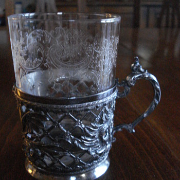 Bohemia crystal beacker with metal stand