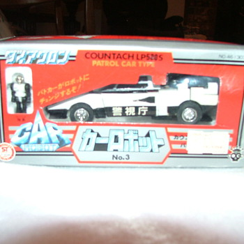 Diaclone 1980 car robot LP500S  No.3 countach patrol car type