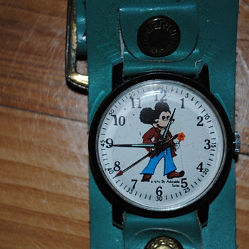 70&#039;s Mickey Mouse watch