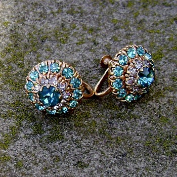 Earrings..... - Costume Jewelry