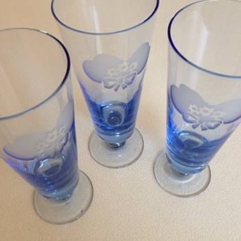 Blue Glasses with etched flower/bow