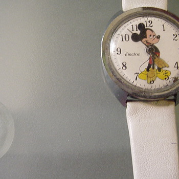 Vintage Mickey Mouse  Electric Watch  (Timex