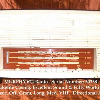 Murphy 674 Valve Radio - Radios