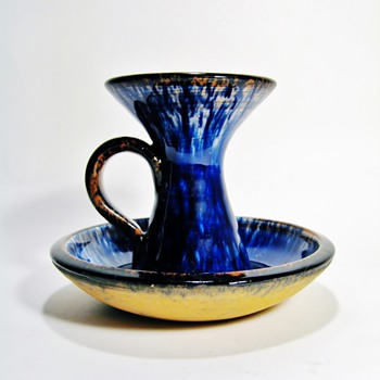 AGGE AHLIN -SWEDEN - Art Pottery