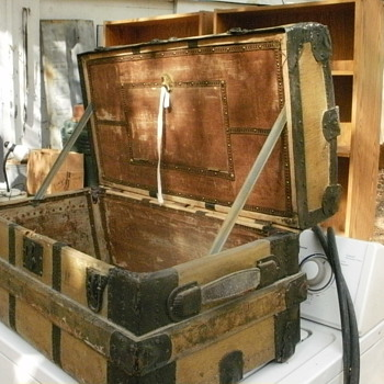 Would appreciate any help on this old travel trunk - Victorian Era