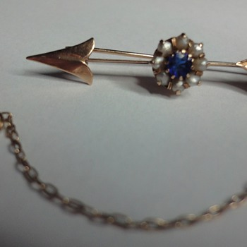 Small Victorian arrow brooch - Fine Jewelry