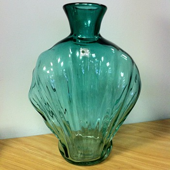 Blenko Sea Green Clam Shell Shaped Vase - Art Glass