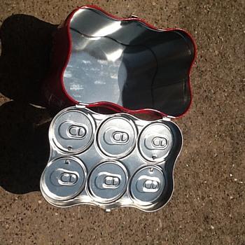 Coke Six-pack Mini Cans tin with hinge lid. - Coca-Cola