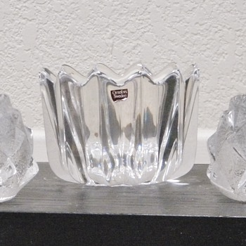 Orrefors Medium Tulip Scalloped Candy Dish / Bowl W/Firefly Artichoke Candle Holders  - Art Glass