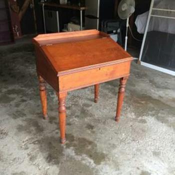 Cool old desk - Furniture