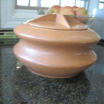 hyalyn 50s style - Art Pottery