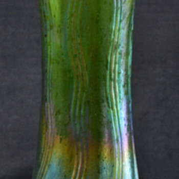 Kralik ? Art Nouveau Vase - Art Glass