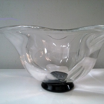 "Simon Gate For Orrefors ""Art Deco"" Lotus Shape Console Bowl /Crystal On Black Base Signed /Circa 1930's - Art Glass"