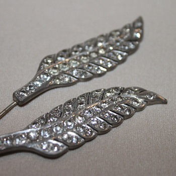 Angel Wing Stick Pin - Costume Jewelry