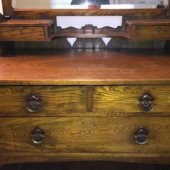 Mystery Dresser