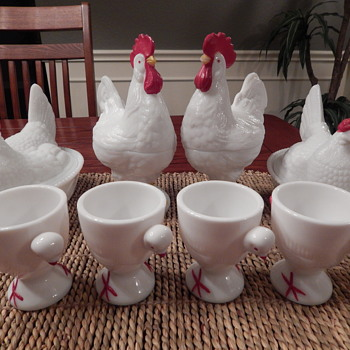 Westmoreland milk glass roosters, chickens