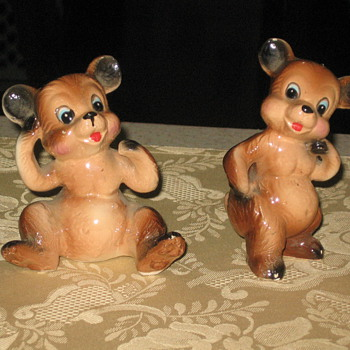 BEAR FIGURINES ( MADE IN JAPAN)
