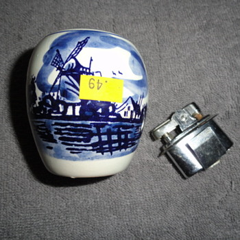 D.P Delft Holland Lighter