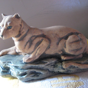 Cougar ceramic cast? hallmarked lizbeth buchanon - Animals