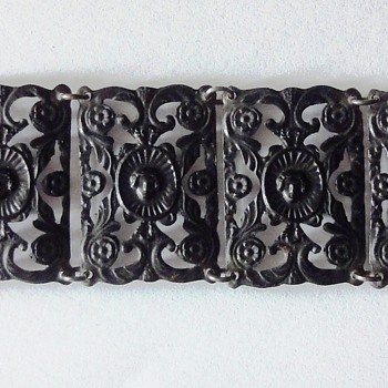 BERLIN IRON BRACELET WITH CAMEO CLASP LATE 1700's EARLY 1800's