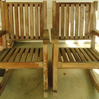 Massive old growth Two rocking chairs, ugly now but soon beautiful!