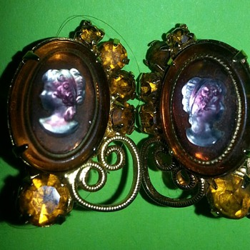 Celebrite earrings with cameo - Victorian Era