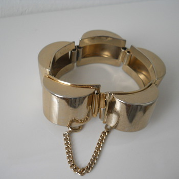 Hobe Modern Bracelet - Costume Jewelry
