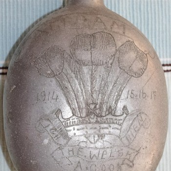 WW1 Russian Canteen, with Welsh Coat of Arms!