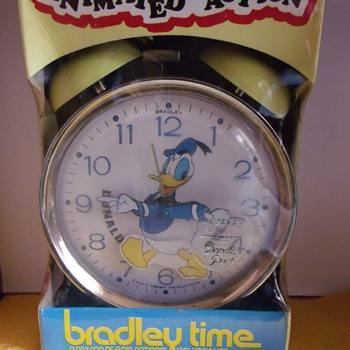 Bithday Issue Animated Donald Duck Alarm Clock - Clocks