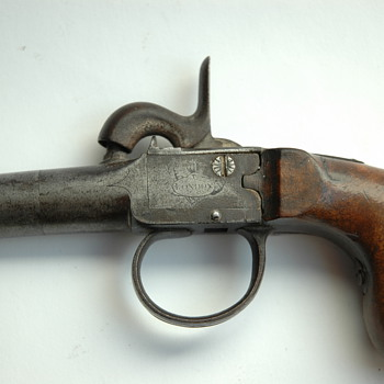 victorian percussion box lock pistol P.BOND, LONDON , circa 1850 - Military and Wartime