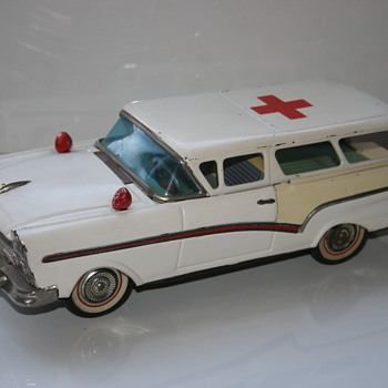 Bandai ambulance tin toy - Model Cars