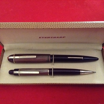 Vintage Eversharp Skyline Lever Fill Fountain Pen and pencil set