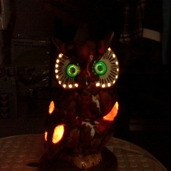 Owl TV Lamp by Holland Mold
