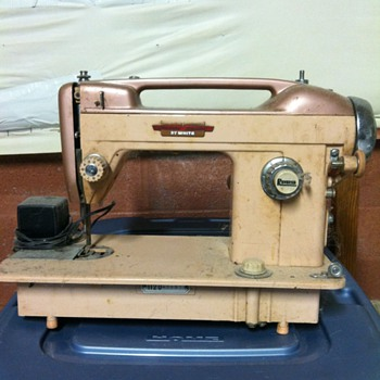 White Goden Bobbin - Sewing