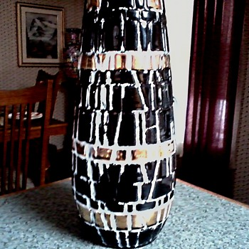 Mid Century Black and Gold Mosaic Style Vase /Unknown Maker/ Circa 1950-60 - Art Pottery