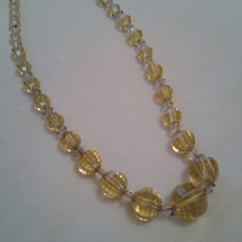 1920s/30s Glass Beads ! - Costume Jewelry